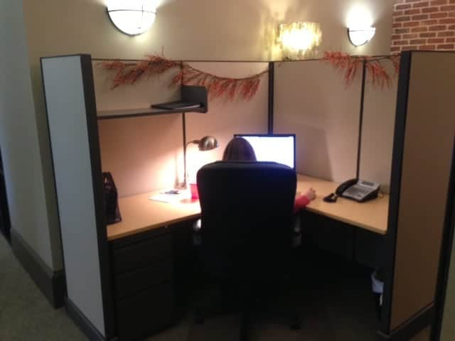 how to decorate your office cubicle for halloween